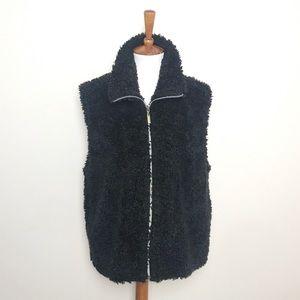 HABITAT M/L Black Fuzzy Zip Up Vest!